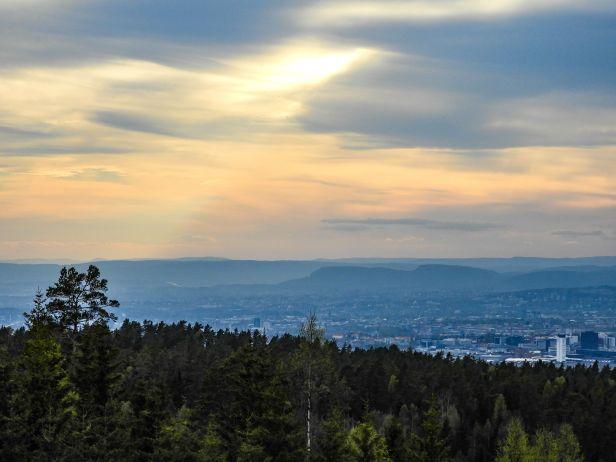 Kveldsutsikt fra Grønliautsikten mot Kolsåstoppene - Oslomarka - Østmarka - Fantastiske marka