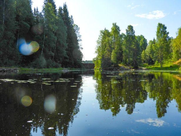 Demningen mellom Fløyta og Mønevannet i Losbyvassdraget - Oslomarka - Østmarka - Fantastiske marka