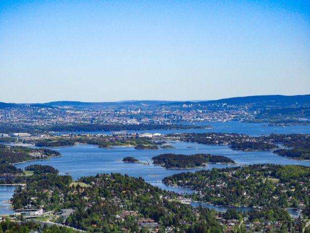 Utsikt mot Oslo og skjærgården fra Skaugumsåsen - Oslomarka - Vestmarka - fantastiske marka