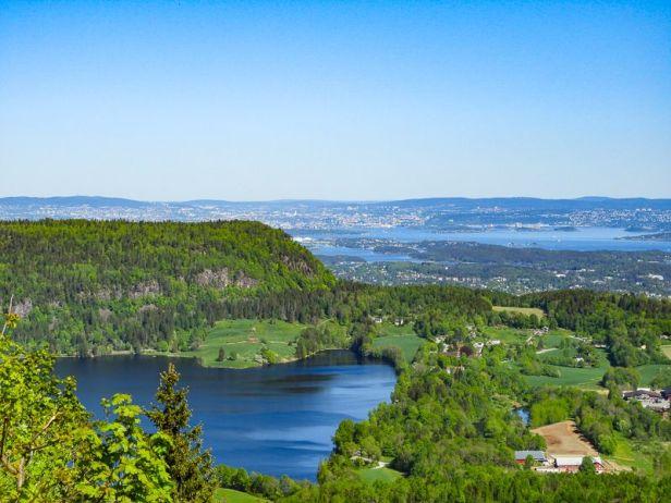 Utsikten fra Hagahogget mot Skaugumsåsen og Semsvannet - Oslomarka - Vestmarka - Fantastiske marka