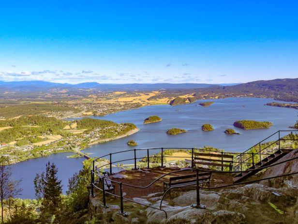 Utsiktsplattformen og den flotte utsikten fra Kongens utsikt - Oslomarka - Krokskogen - Fantastiske marka