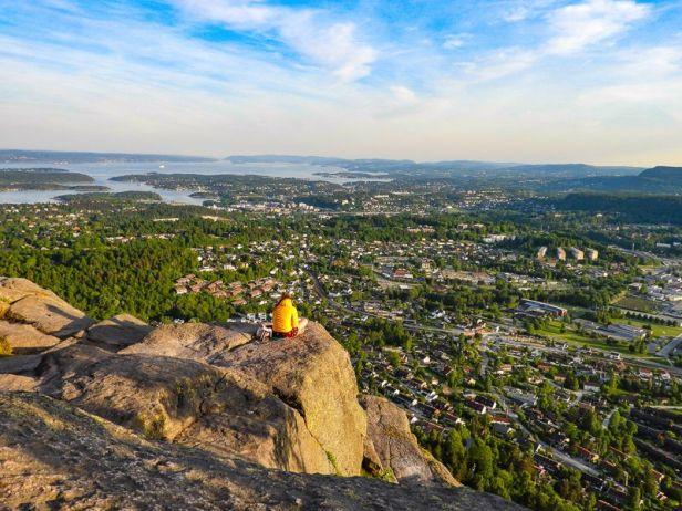 Utsikt over Oslofjorden og Bærum fra Søndre Kolsåstoppen - Oslomarka - Bærumsmarka - Fantastiske marka