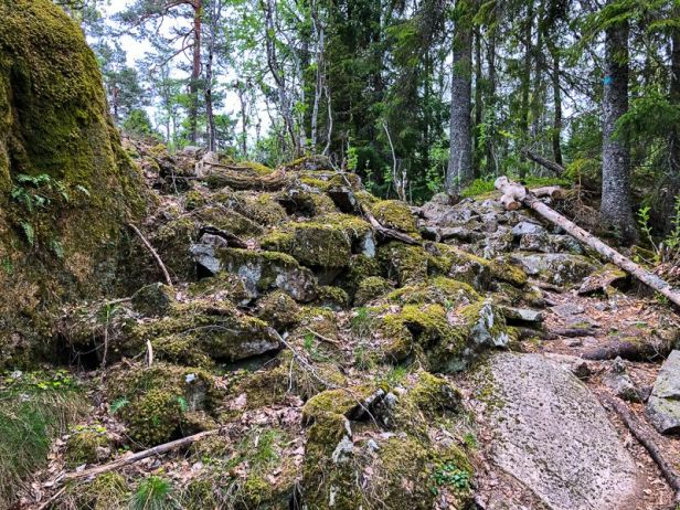 Rester etter bygdeborg på Gråmagan - Oslomarka - Bærumsmarka - Fantastiske marka