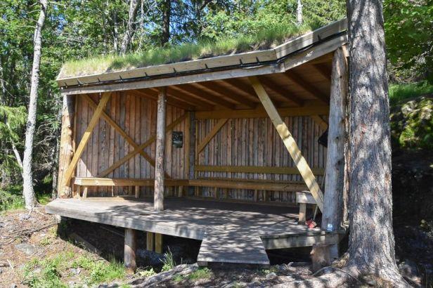 Gapahuken i åsen over Burudvann - Oslomarka - Bærumsmarka - Fantastiske marka