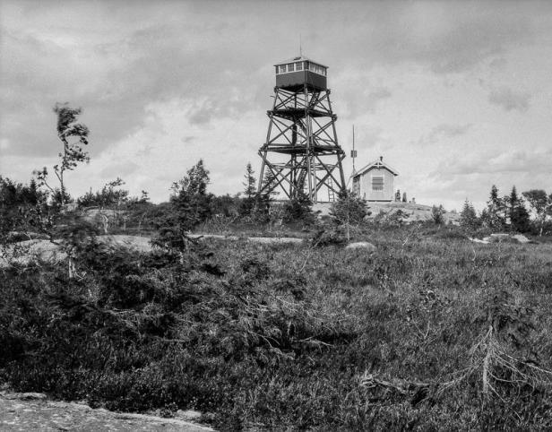 Oslo Museum - Brannvakttårn på Varingskollen - Anders Beer Wilse - 1928 (wecompress.com)