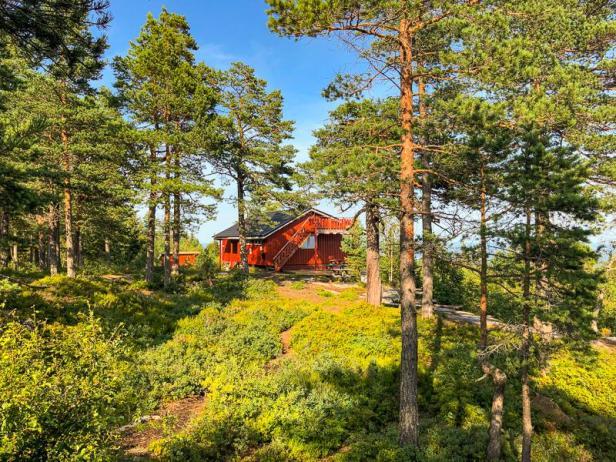 Turisthytta på Herstadhei på Hurumlandet - Fantastiske marka